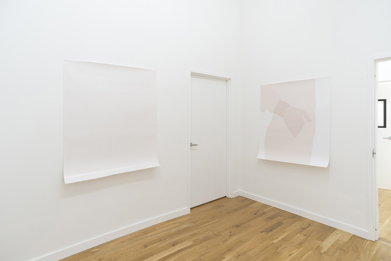 Mirror Lamp Hammer, Installation view